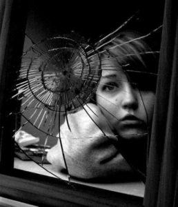 specchio rotto porta sfortuna